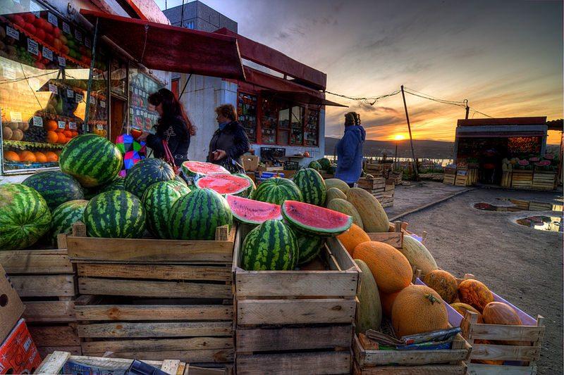 farmers-market-by-tom-thiel