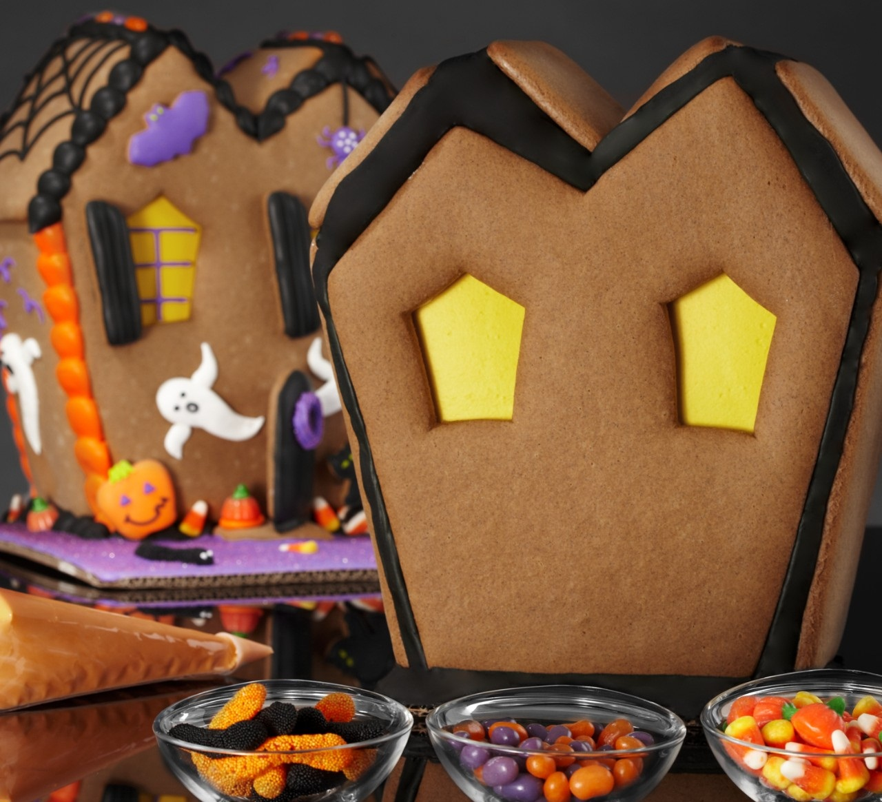 Halloween Gingerbred House from Shari's Berries