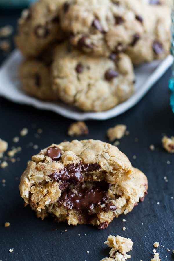 Moms-Simple-Oatmeal-Chocolate-Chip-Cookies...The-Best-Oatmeal-Chocolate-Chip-Cookies-Around.-10