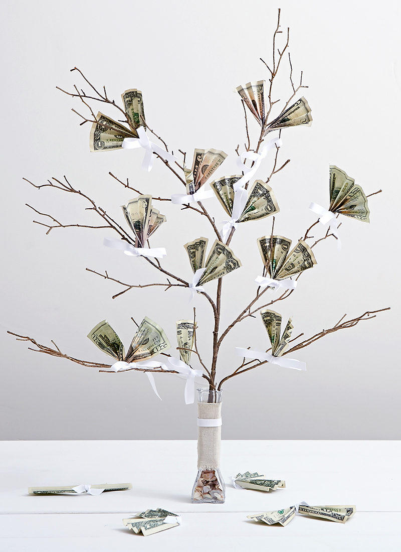 Creative Ways to Gift Cash for a Wedding | Money Tree