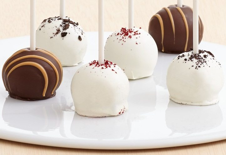 Red Velvet, Cookie & Peanut Butter Cake Pops