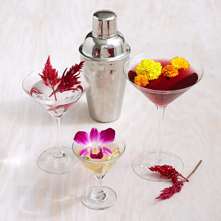 Guide to Edible Flowers | Cocktails