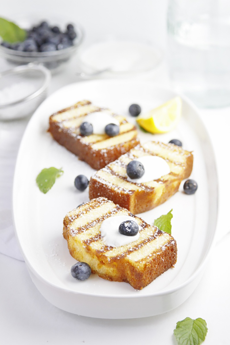 Grilled-Poundcake-with-Blueberries