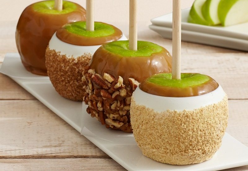 Hand-Dipped Caramel Apples - Traditional Collection