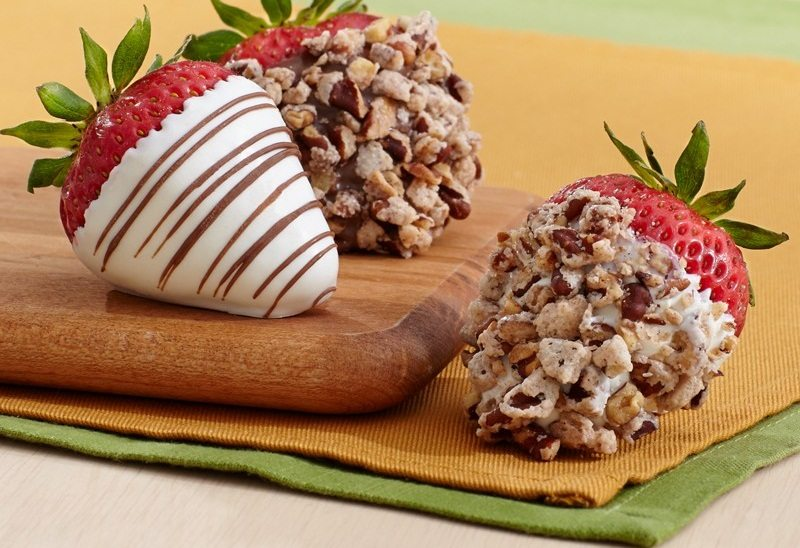 Praline Pecan Strawberries
