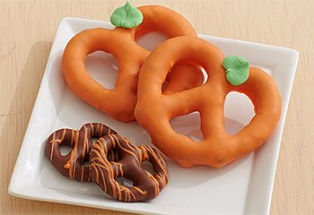 Pumpkin Pretzel Twists