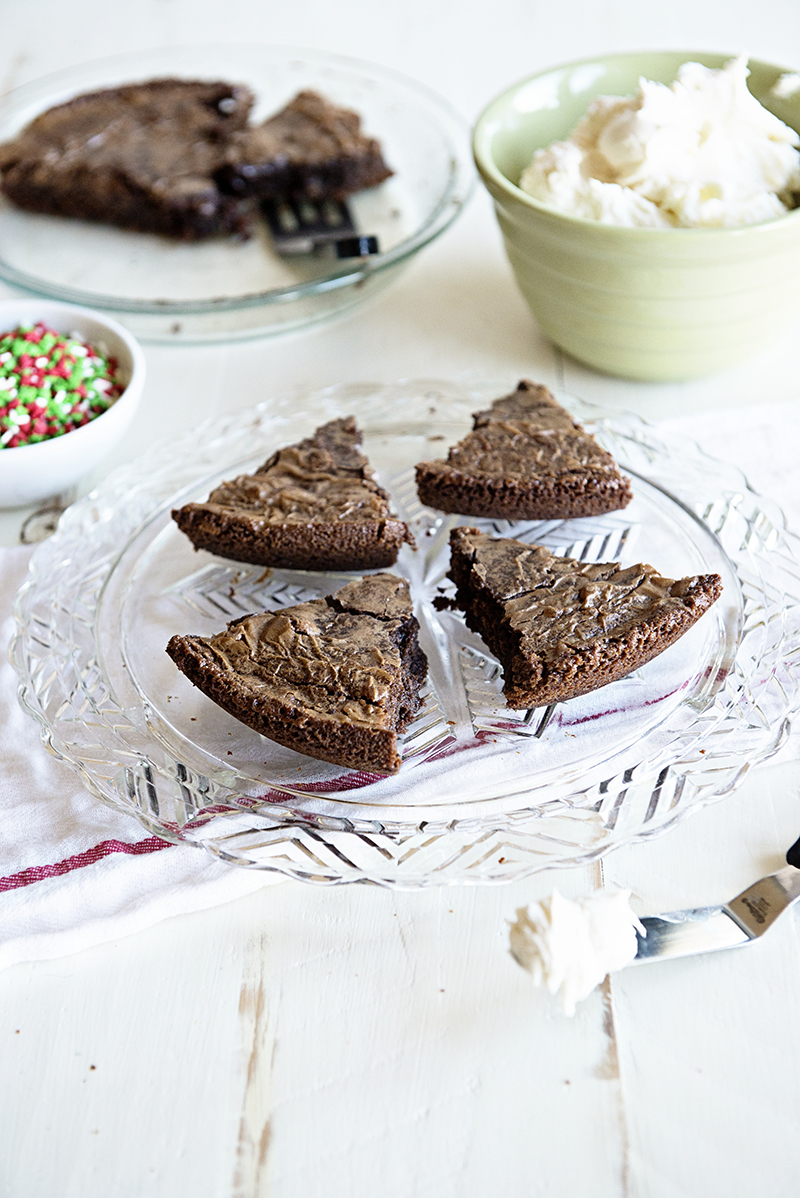Peppermint Brownie Pie