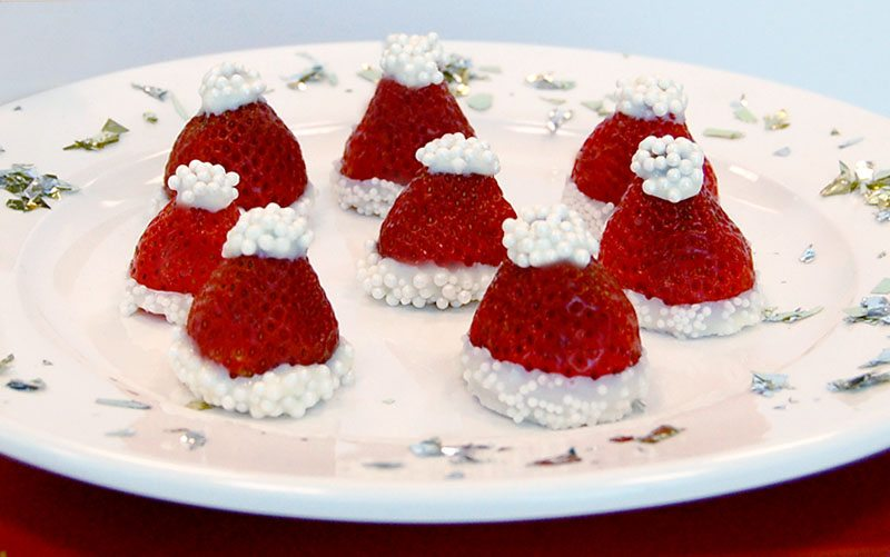 DIY: White Chocolate Covered Strawberry Santa Hats