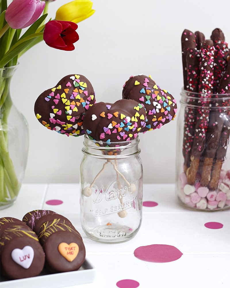 Palentine's Day: Marshmallow Pops