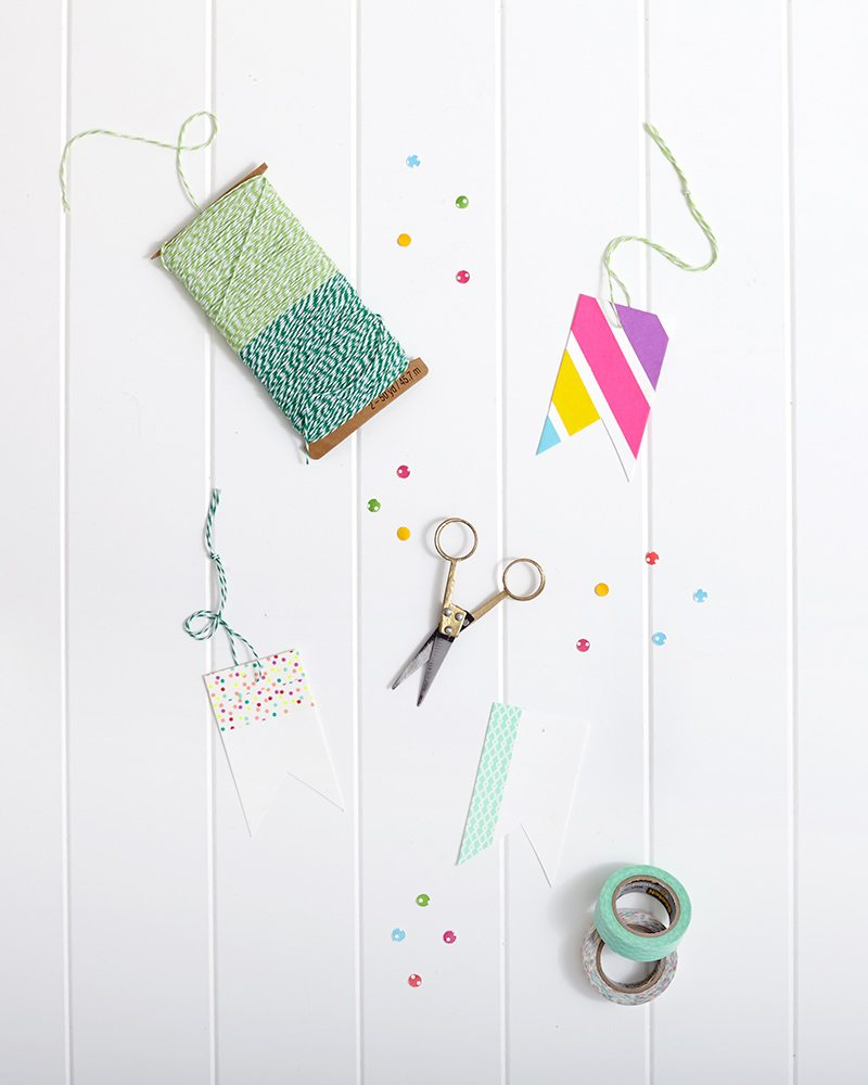 Spring Washi Tape Gift Wrapping: Custom Gift Tags