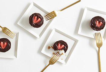 No Bake Dark Chocolate Strawberry Tart