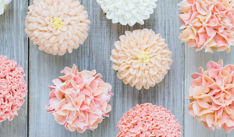 Floral-Frosting-Cupcakes
