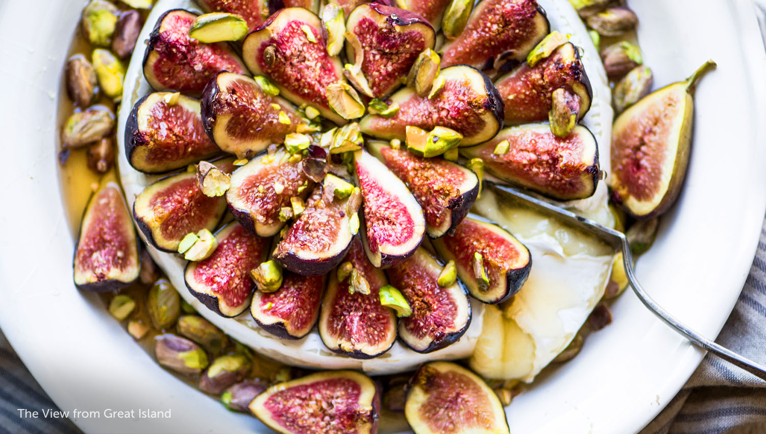 sb-50-thanksgiving-Baked-Brie-figs-and-honey