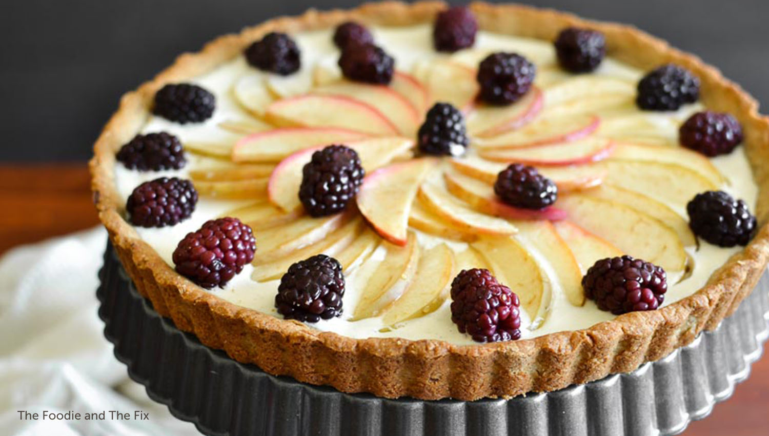 sb-50-thanksgiving-apple-blackberry-cheesecake-tart