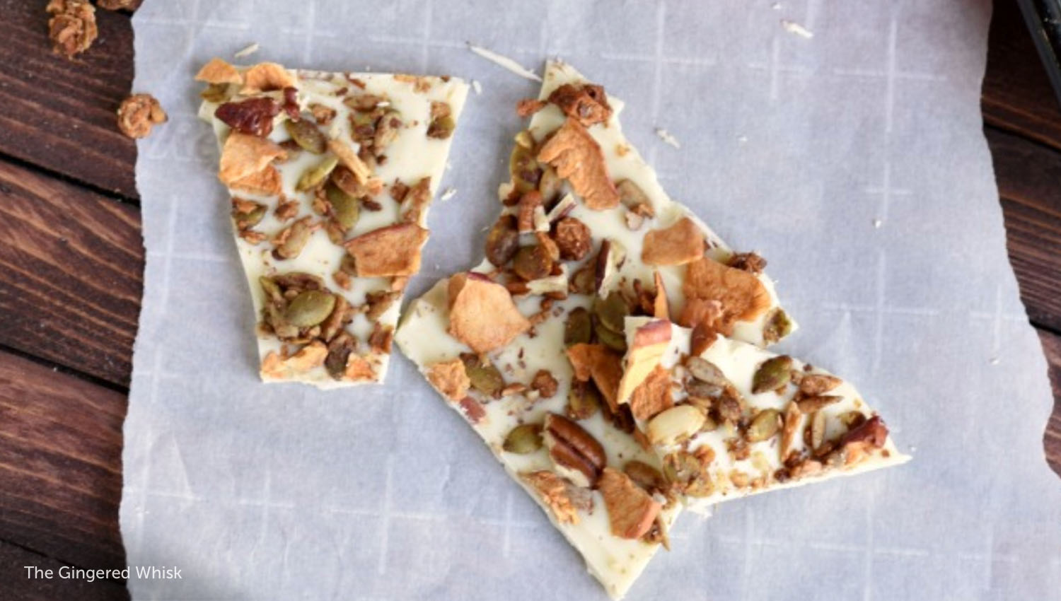 sb-50-thanksgiving-apple-cinnamon-granola-white-chocolate-bark