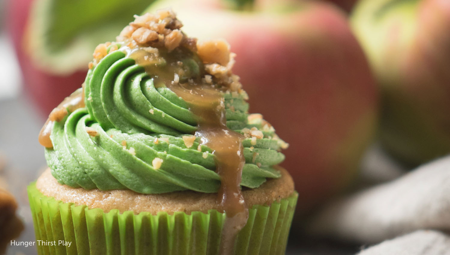 sb-50-thanksgiving-caramel-apple-cider-cupcakes