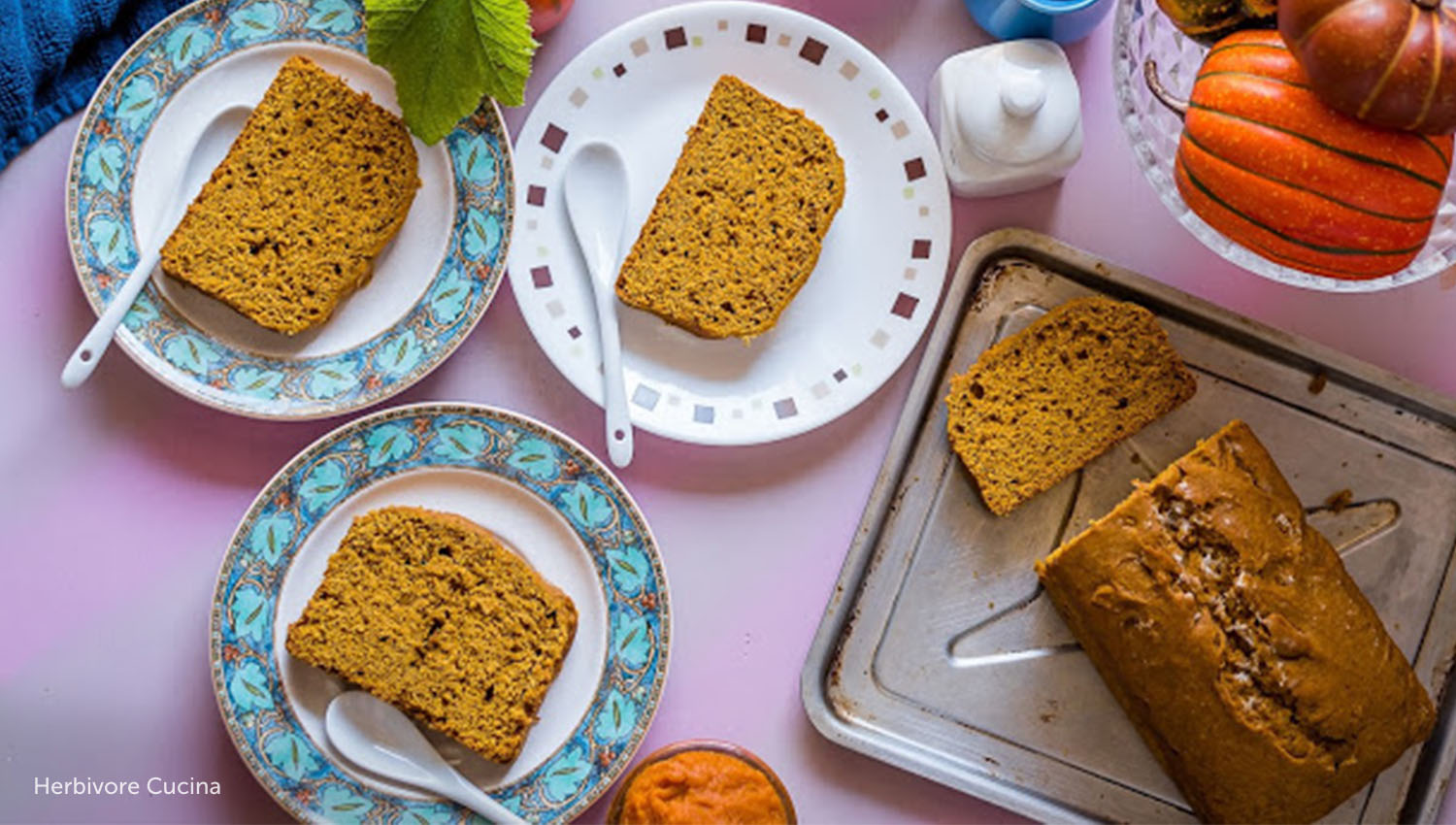 sb-50-thanksgiving-eggless-pumpkin-bread