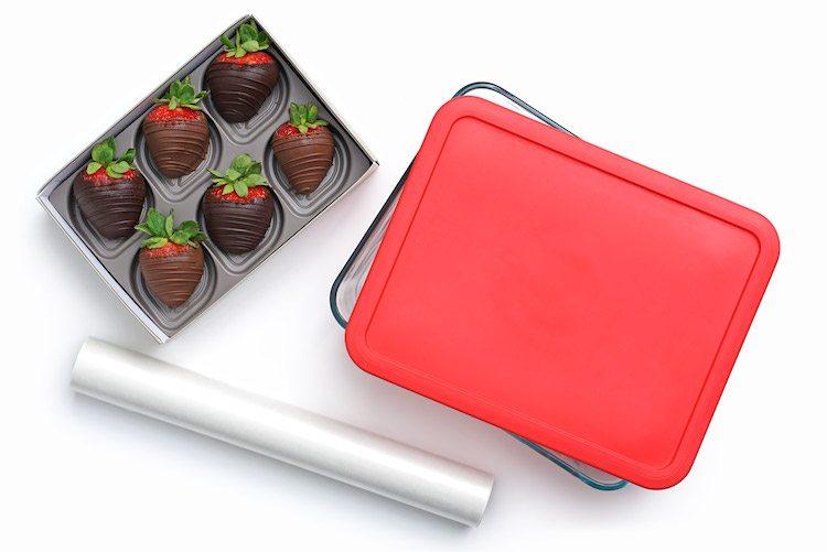 store-chocolate-strawberries