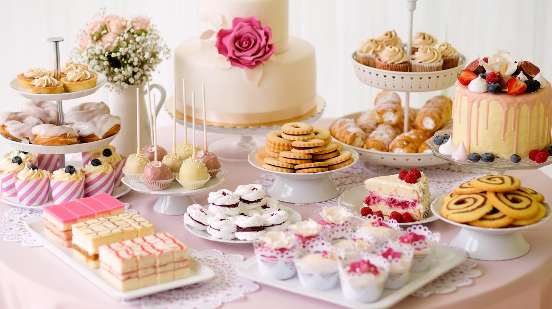 25 Dessert Buffet Ideas For Your Wedding - Shari\'s Berries Blog