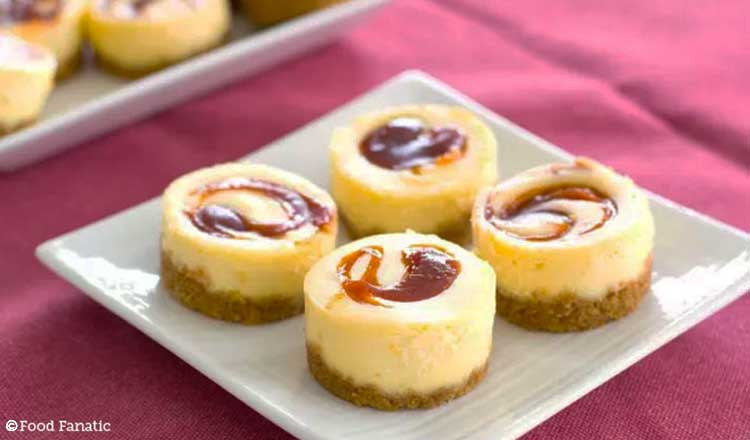 mini guava cheesecake