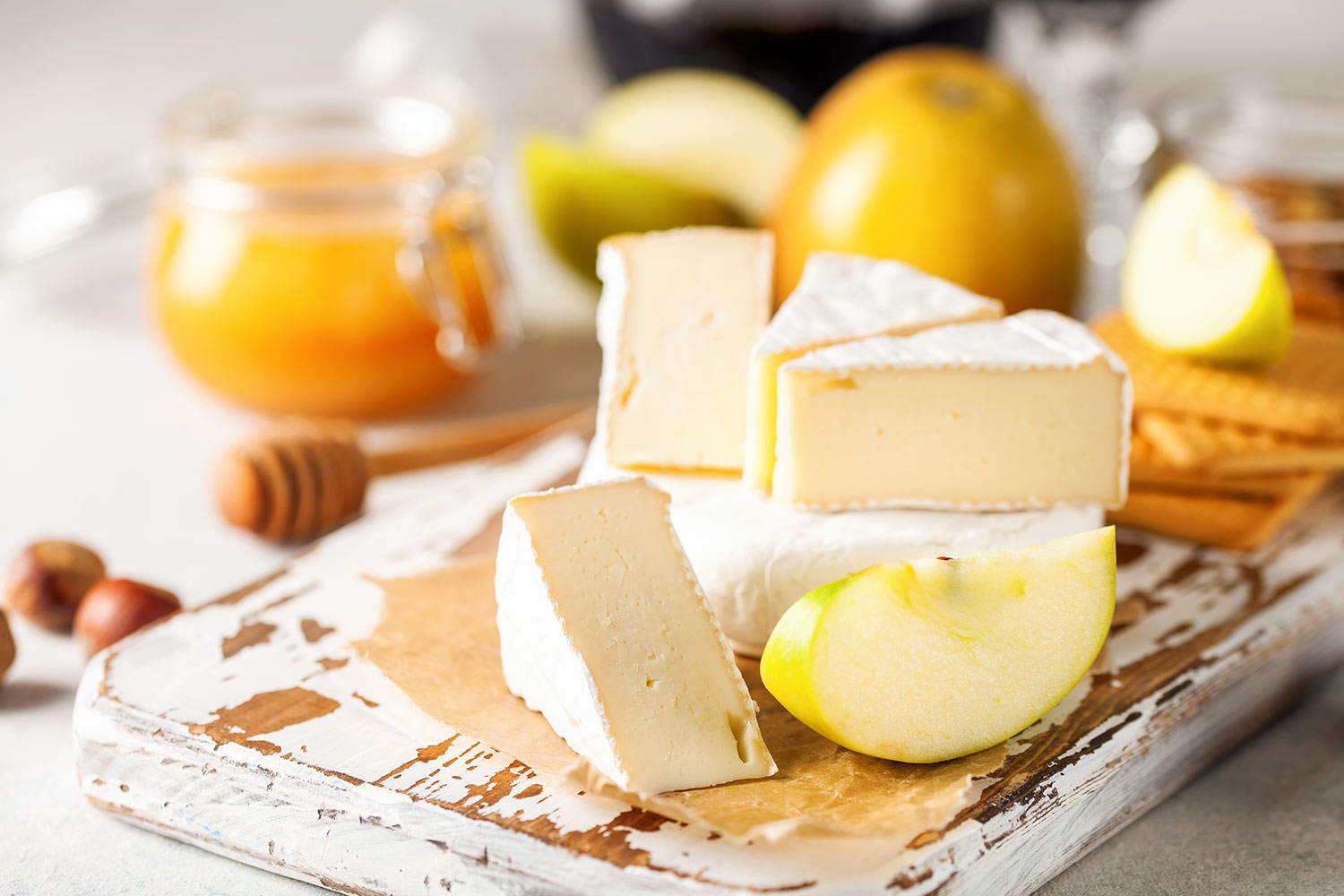 brie and apples